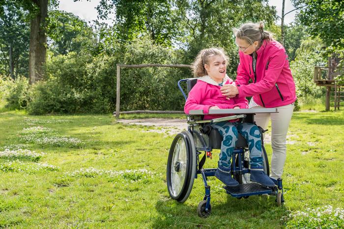 pabalsts ģimenei, kurā aug bērns ar smagu invaliditāti