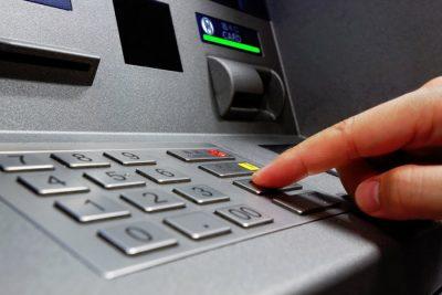 bankomātos iemaksātā skaidrā nauda, bankomāts