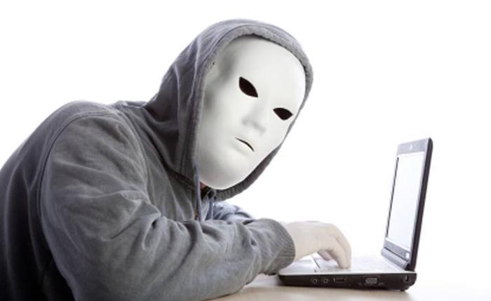 Kā cīnīties ar aizskarošiem anonīmiem komentāriem internetā
