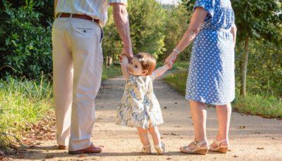 Ceļojot kopā ar mazbērniem noderēs pilnvara